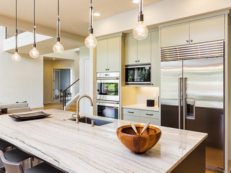Czym kierować się przy doborze oświetlenia do kuchni? – najważniejsze wskazówki