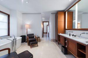 Kamienne elementy w łazience – na co się zdecydować?