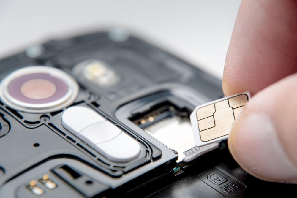 Karta SIM – jaką funkcję pełni w telefonie?