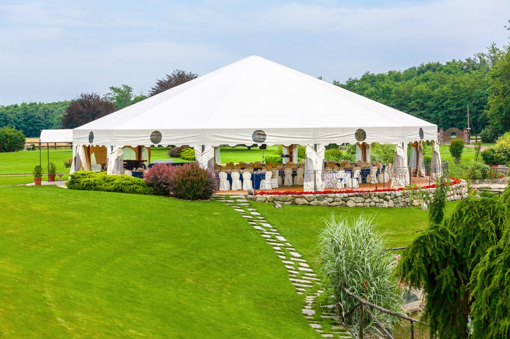 Namiot cateringowy – ABC montażu