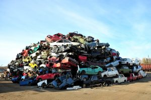 W jakich przypadkach konieczne będzie zezłomowanie auta? – poradnik