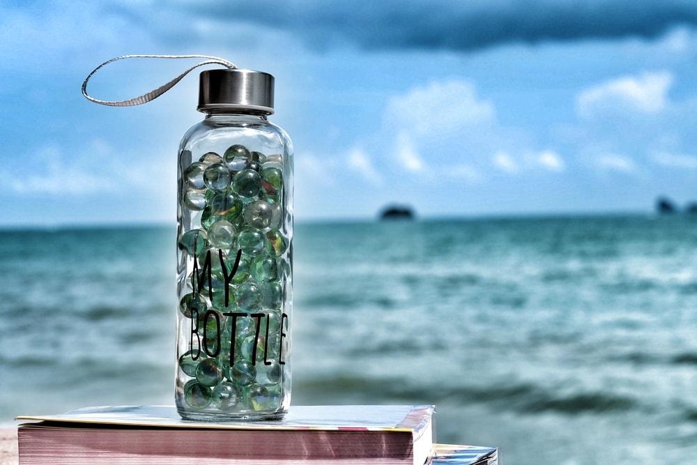 W pracy i szkole bez plastiku, czyli jak wyeliminować z codziennego życia jednorazowe opakowania z tworzyw sztucznych